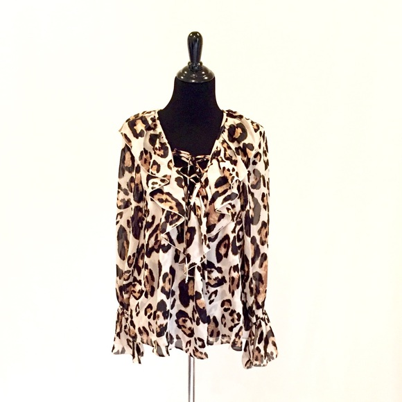 08fa4b0e64b1f1 Show Me Your MuMu Leopard Elton Bell Sleeve Top